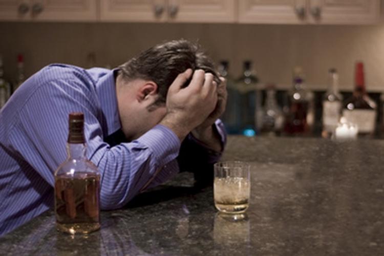 Como la persona con dotes extrasensoriales cura el alcoholismo