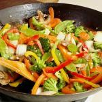 Tempeh salteado con verduras