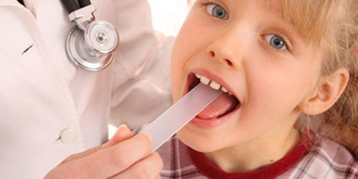Remedios naturales para las molestias en la garganta