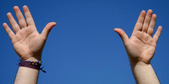 Cómo interpretar la posición de los dedos