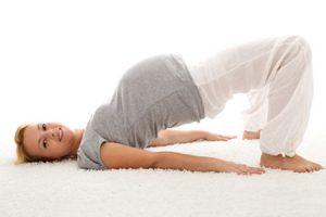 Algunos beneficios del yoga para embarazadas y su bebé