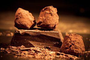 Como hacer trufas de chocolate, tres recetas sencillas