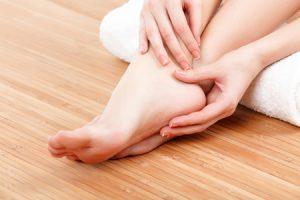 Aprende como quitar las durezas de los pies