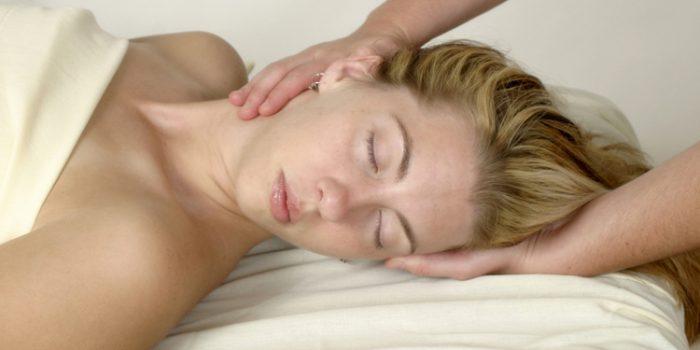 Consejos para liberar la tensión en hombros y cuello
