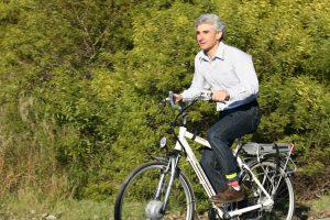 Beneficios de las bicicletas eléctricas, saludables y económicas