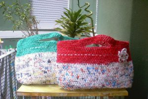 Manualidades para reutilizar las bolsas de plástico