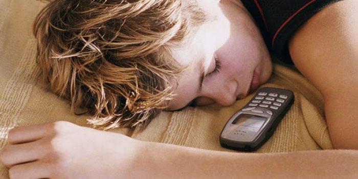 Cómo reconocer los síntomas de la adicción al móvil