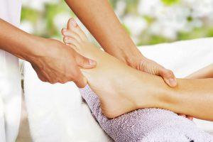 Masajes en los pies, beneficios y precauciones