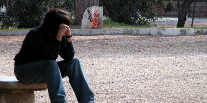 Etapas del duelo, ¿cuáles son y qué hacer para superarlas?