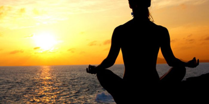 Saludo al sol, activan cuerpo y mente