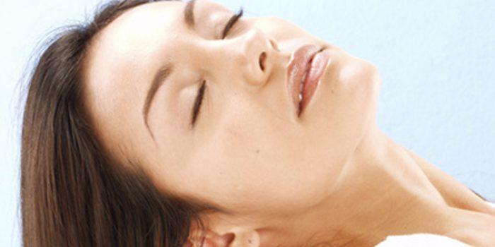 Como preparar un bálsamo suavizante para el cabello