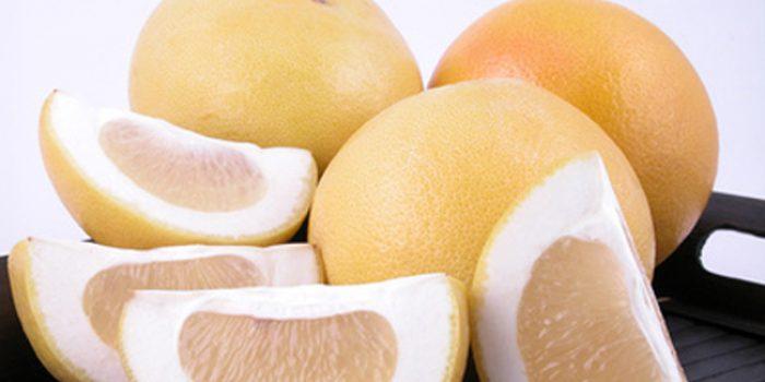 Agua con limón: ¿es cierto que ayuda a perder peso?