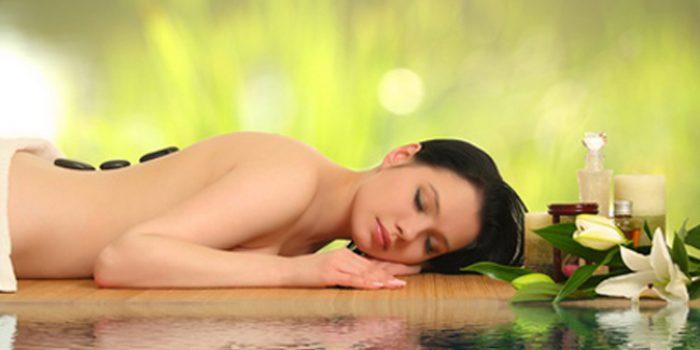 Beneficios del masaje con piedras volcánicas