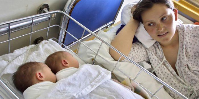 Consejos para la lactancia materna en caso de gemelos