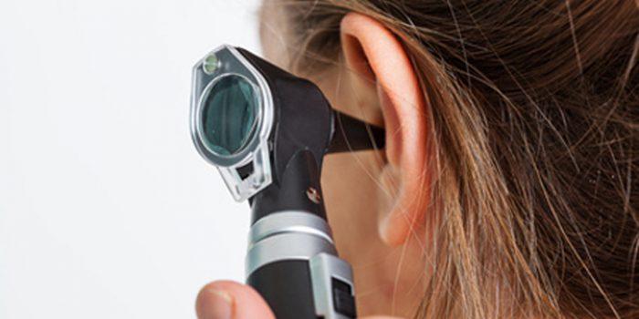 Causas de los oídos tapados