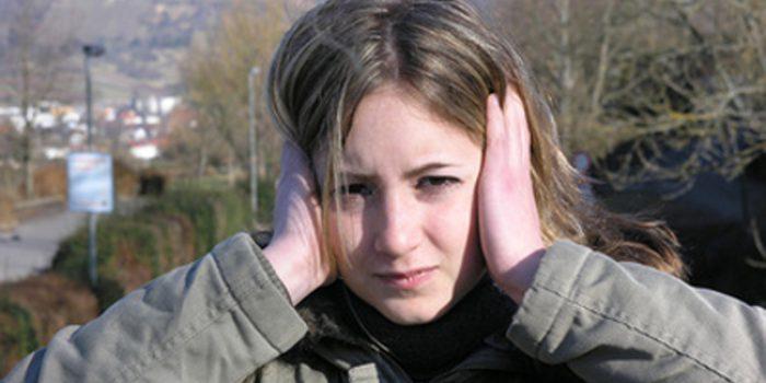 Causas de los zumbidos en los oídos y tratamientos