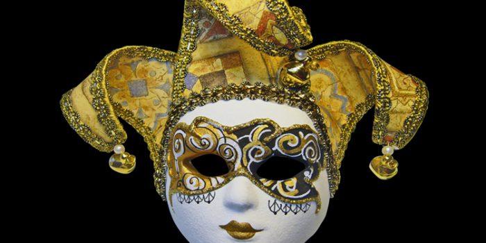 La Máscara y la Sombra en el Tarot