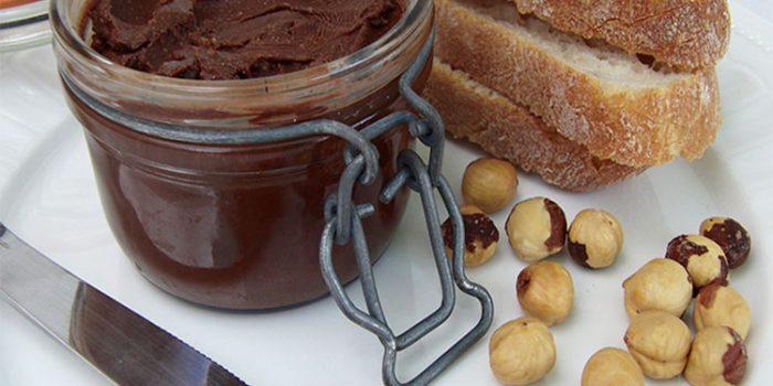 Crema de avellanas casera y saludable estilo ''Nutella''