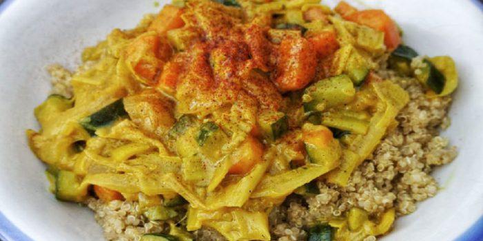 Curry de verduras con quinoa: saludable y nutritivo