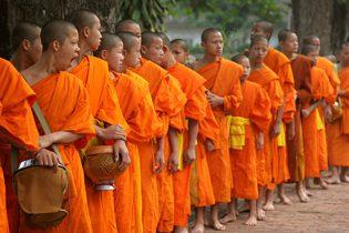 monjes-budistas