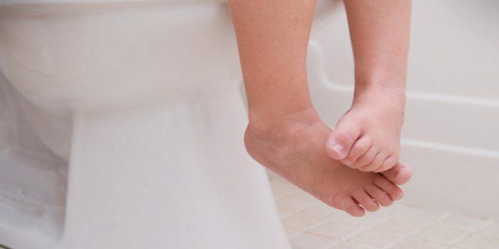 Estreñimiento infantil, causas y tratamiento