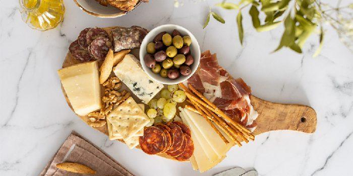 3 ideas de recetas saludables con quesos y embutidos