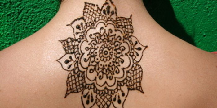 Tatuajes con henna, paso a paso