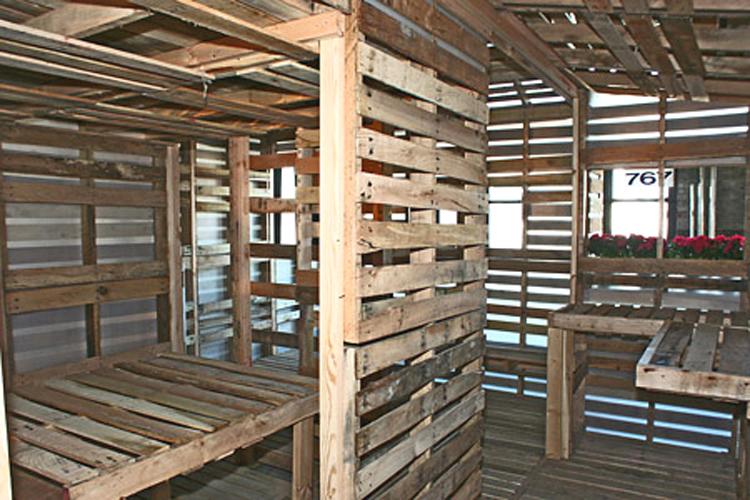 Viviendas ecol gicas con tarimas de madera - Casas con palets de madera ...